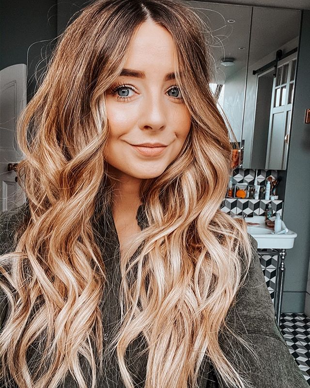 Zoe Sugg (Zoella) - Biography, Phone number, email address, Wiki, House Address, Contact