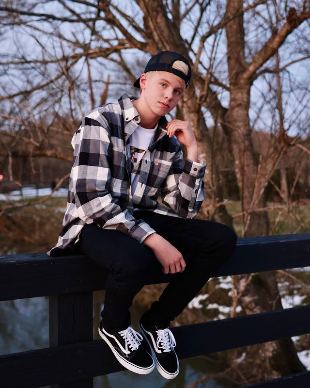 Carson Lueders Wiki, Bio, Phone Number, Address, House, Email, Contact and More